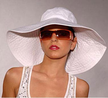 how to make a beach hat stiff again